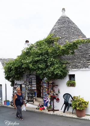 2013-08-27 Alberobello 044_edited-1